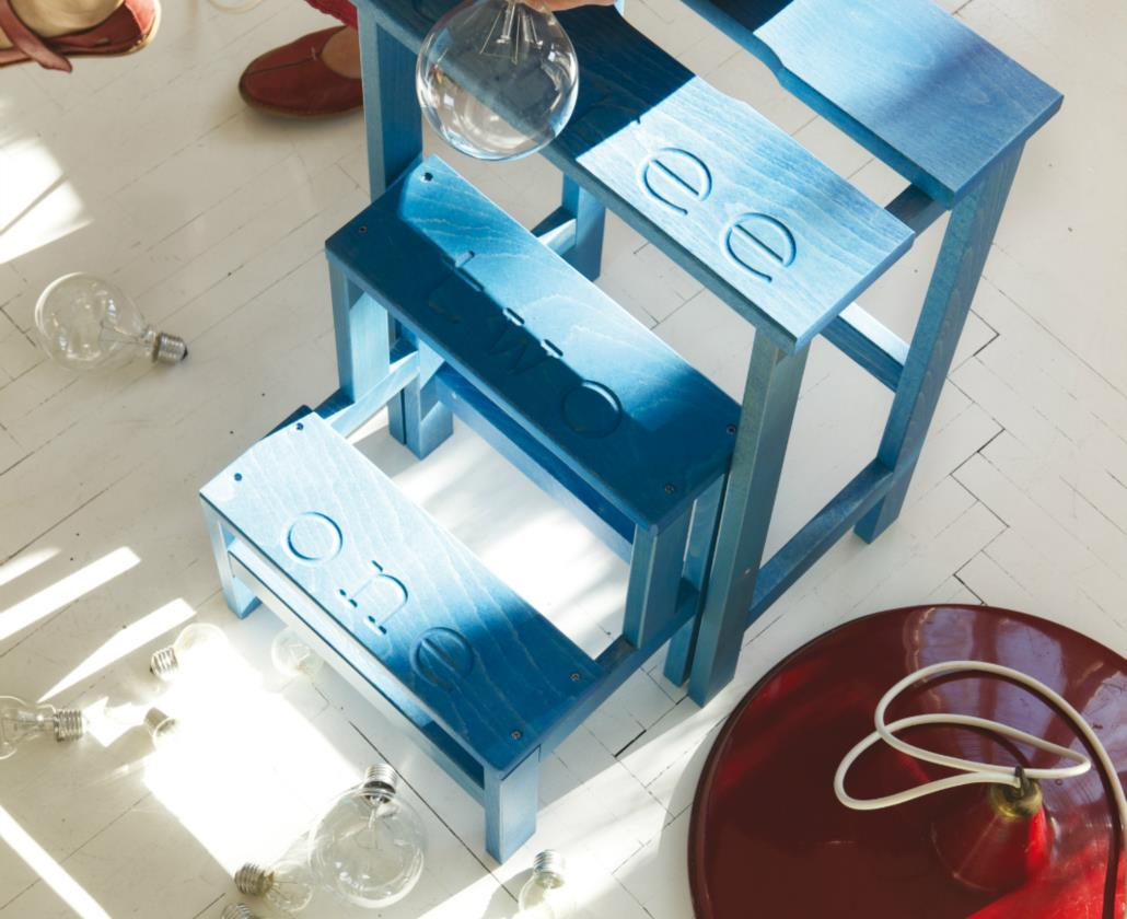 HAPPY DESIGN è il nostro brand creativo e colorato. Oggetti in legno per l'arredo che emozionano e divertono. Non solo:utili, pratici, pieghevoli. Unici. Tavolini da sala, appendiabiti, indossatori, sdraio a dondolo, sedie pieghevoli ......