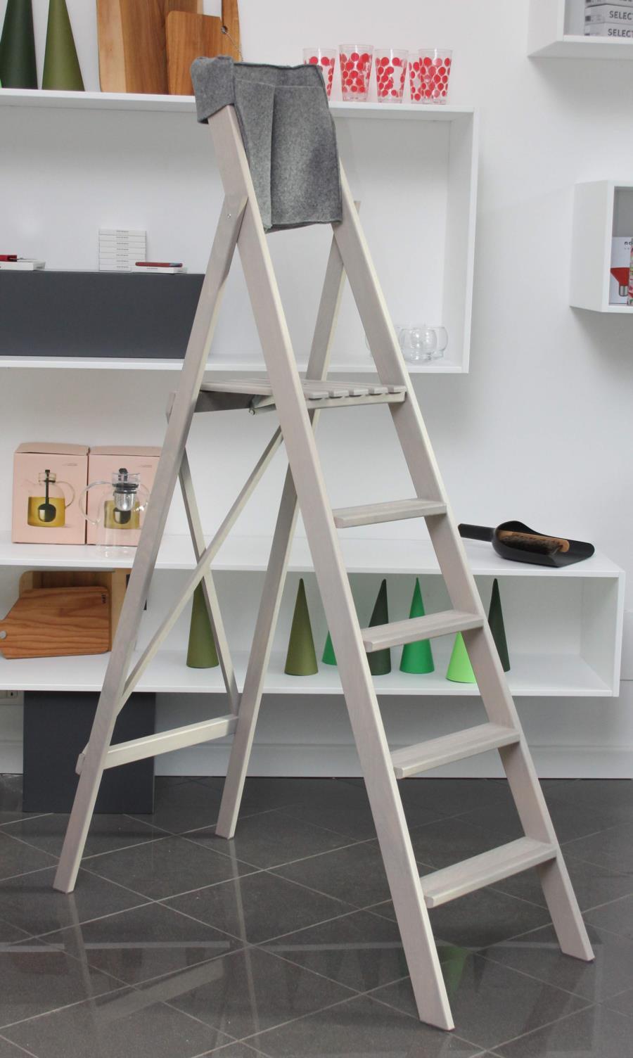 scala pieghevole in legno HOME